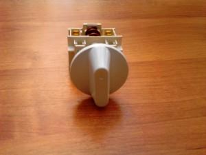 белая пластмассовая ручка переключателя для электроплиты