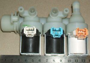 Заливной клапан 3Wx90 стиральной машины Hotpoint-Ariston, Indesit (клеммы mini)
