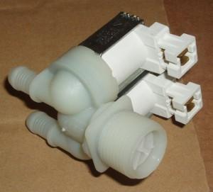заливной клапан для стиарльной машины Электролюкс